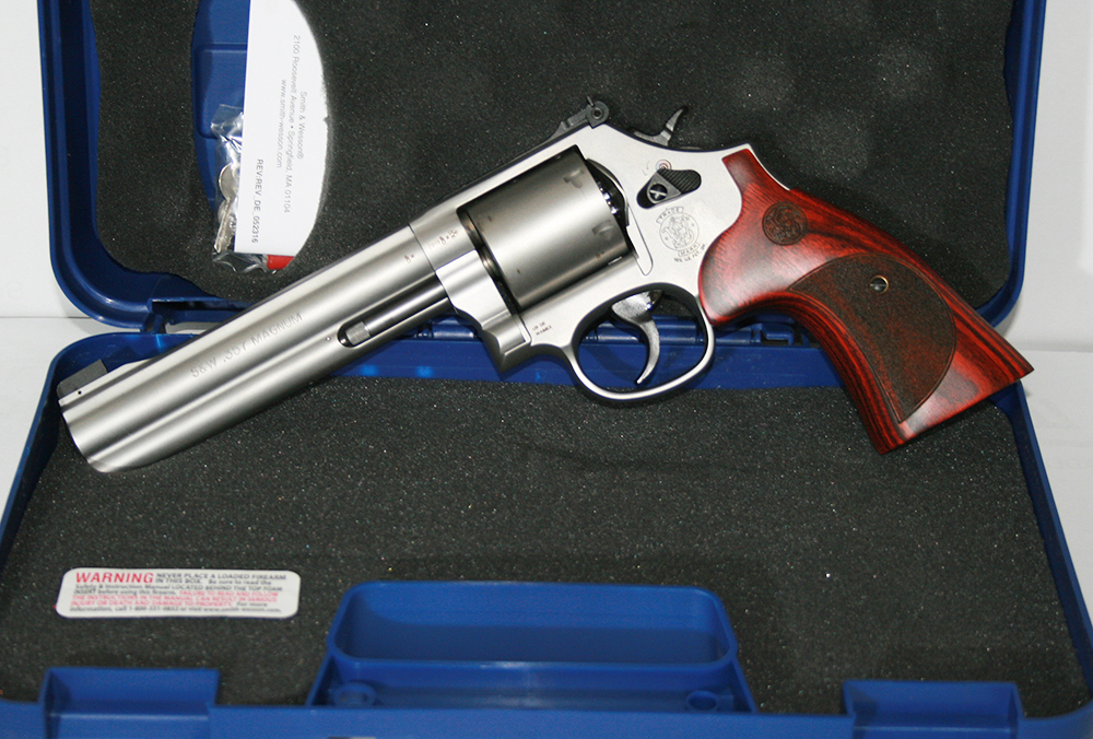 SuW_201033_686_Internatianol-Revolver_6Zoll_357Mag_Matt-Holz_bayerwald-jagdcenter.de_0.jpg