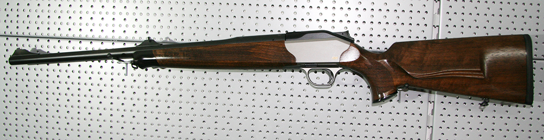 Blaser_R8_Holz_8x57IS_semi-weight_bayerwald-jagdcenter.de_0.jpg